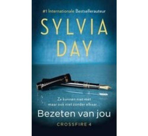 Crossfire 4 - Bezeten van jou van Sylvia Day | Paperback van 328 pagina's
