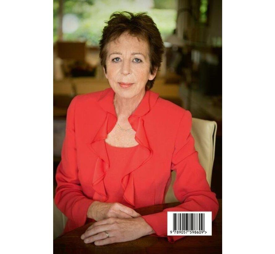 Reddende engel van Renate Dorrestein | Paperback van 252 pagina's