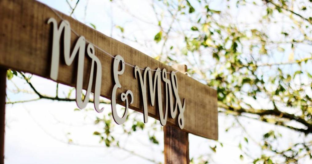 Op zoek naar bruiloft versiering? 4 toffe ideeën