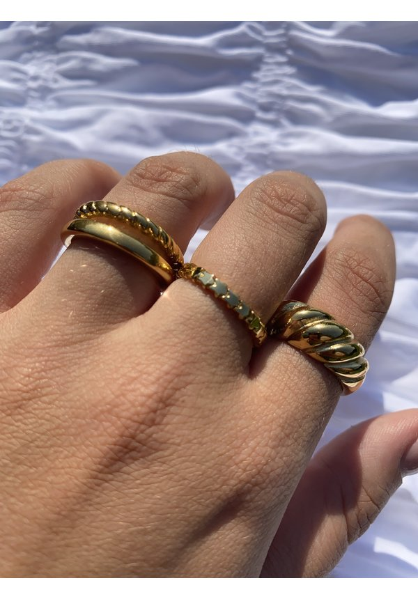 Ring Small Baguette Gold