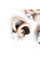 Chewies&more Chewie Rattle met dubbele houten ring zwart