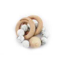 Chewies&more Chewie Rattle met dubbele houten ring en bal marmer