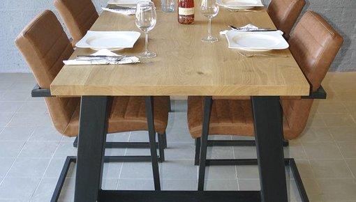 Industriële tafelpoten met eikenhout- of steigerhouten blad