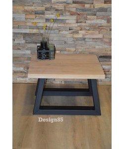 Eiken salontafel Lava met stalen tafelpoten
