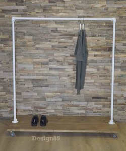 Steigerbuis kledingrek Verfijnd