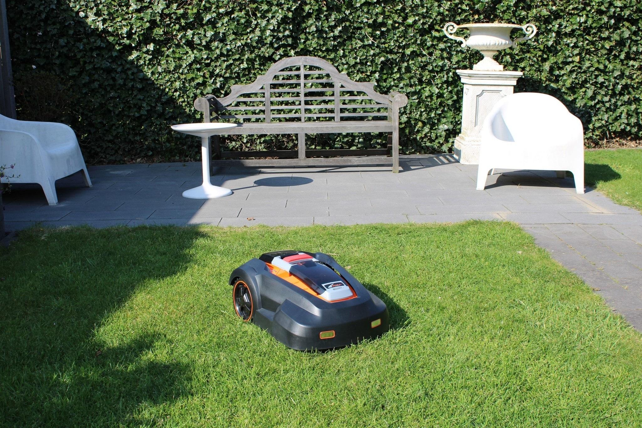 robotic-mower-harm