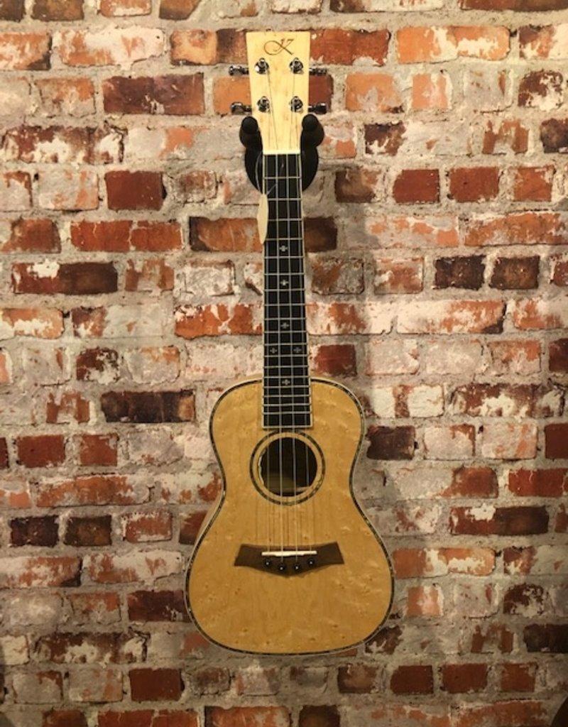 Kauai Concert ukulele met element Birdeye maple