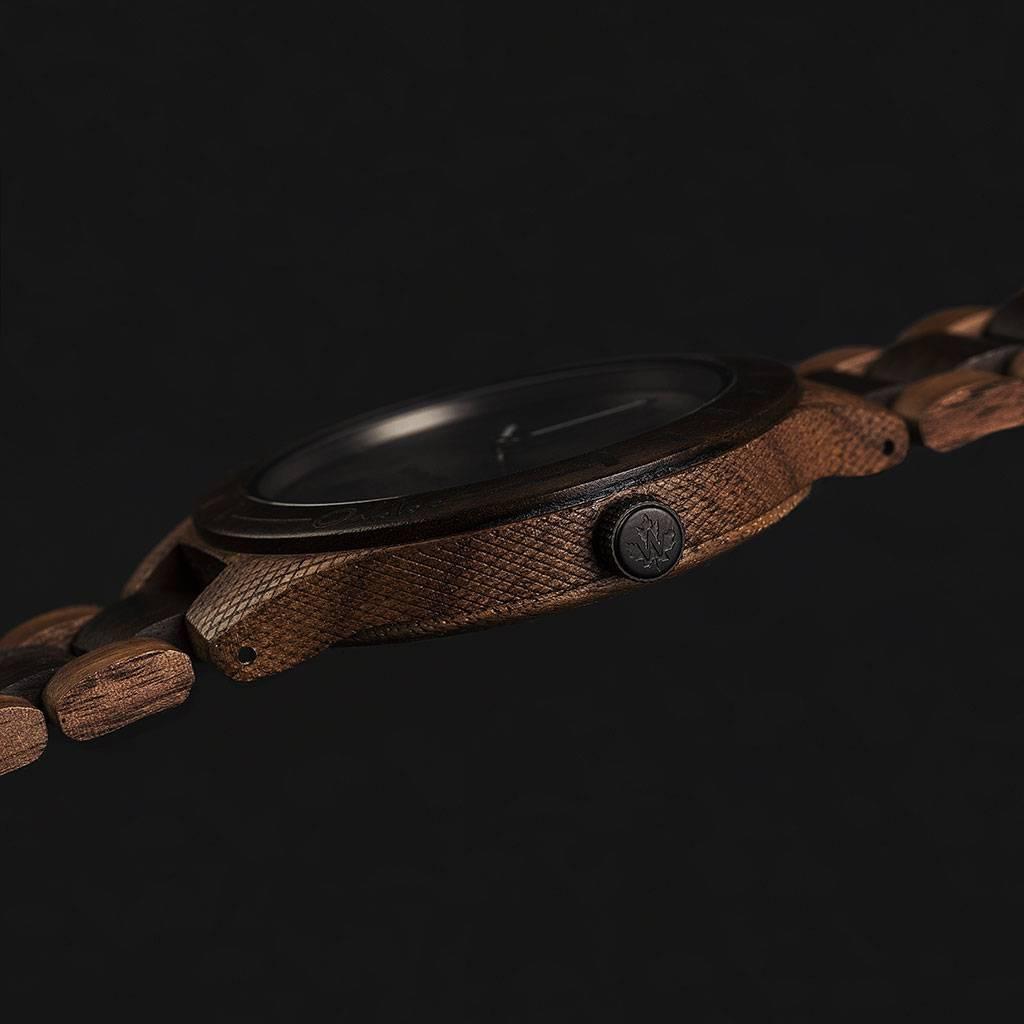woodwatch mænd træ ur original kollektionen 47 mm diameter oaklee stroopie edition valnøddetræ