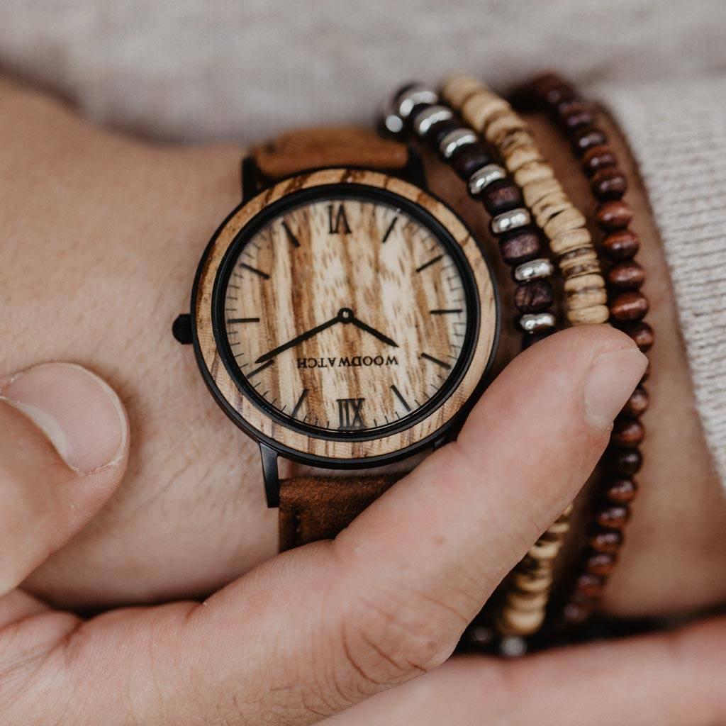 woodwatch män träklocka minimal kollektion 40 mm diameter striped zebra pecan zebraträ brunt läderband