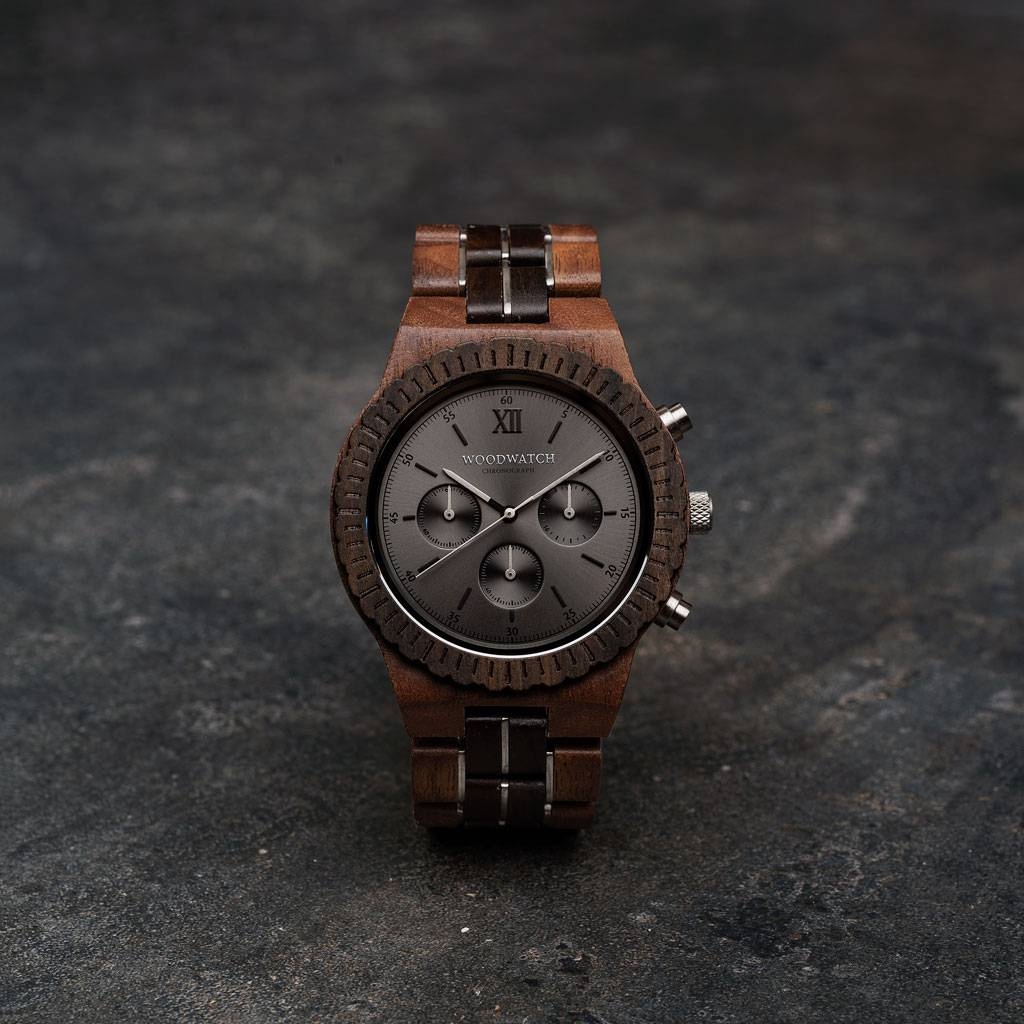 woodwatch män träklocka chronograph kollektion 45 mm diameter atlas valnötträ svart sandal