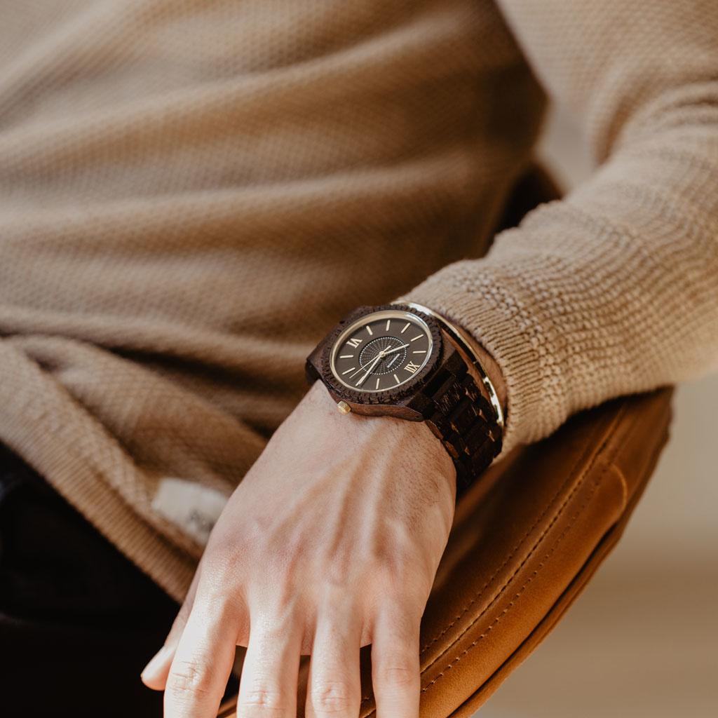 Det ultimata miljövänliga armbandsuret. Våra SOLAR armbandsur kan konvertera alla typer av ljus till elektricitet
