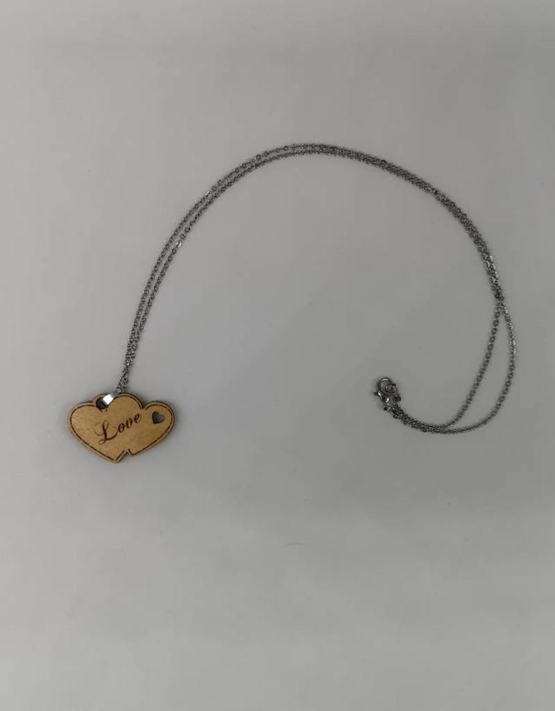 """Besondere Geschenkideen entdecken - Die Halskette """"Two Hearts"""" aus Holz wird zu deinem Unikat!"""