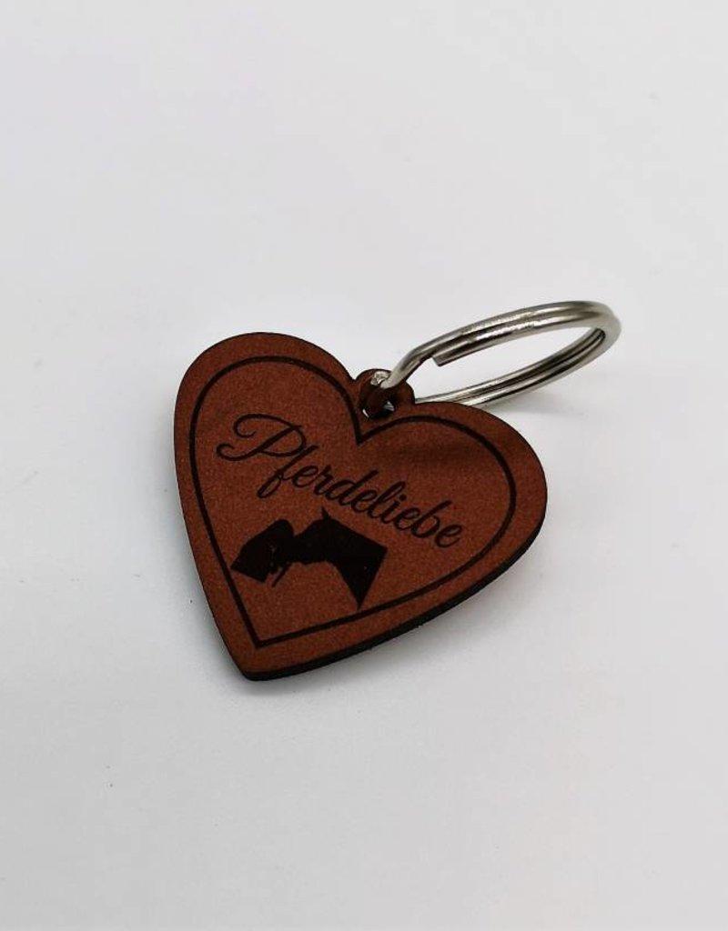 Pferdemarke in Herzform aus Leder mit Wunschgravur
