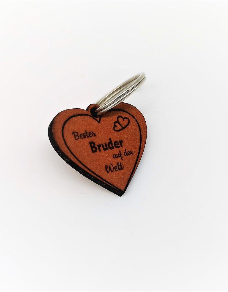 Mache deinem Bruder eine Freude mit unserem tollen Schlüsselanhänger aus Leder mit Gravur!