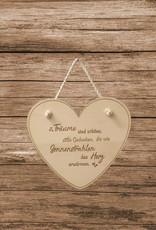 Der Herzaufhänger aus echtem Holz wird erst mit deiner persönlichen Gravur zur besonderen Geschenkidee!