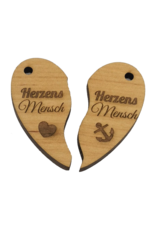Gestalte deinen Schlüsselanhänger aus Holz mit Gravur nach deinen Wünschen!