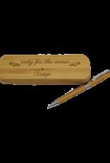 Gestalte den Bambus Kugelschreiber und die dazu gehörige Box nach deinen Wünschen mit Gravur!