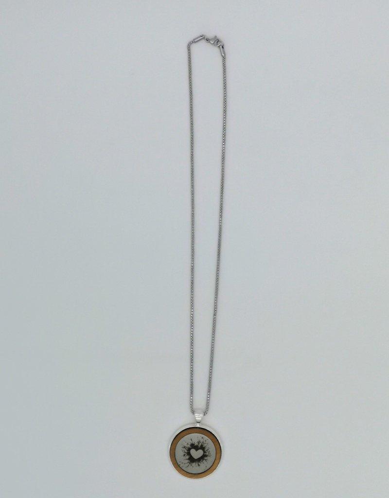 Verfeinere Deine Halskette ganz nach deinem Geschmack mit persönlicher Gravur!