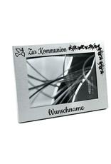 Halte die tolle Erinnerung mit dem einzigartigen Bilderrahmen aus Aluminium und persönlicher Gravur fest!