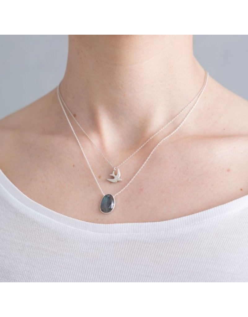 A Beautiful Story Necklace 'Swallow' Silver