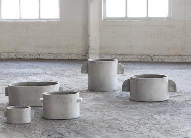 Vases & pottery