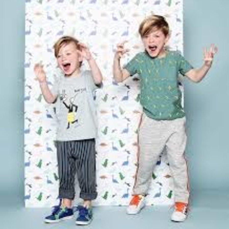 Shop nu onze zorgvuldig geselecteerde  collectie schoenen voor jongens en meisjes.