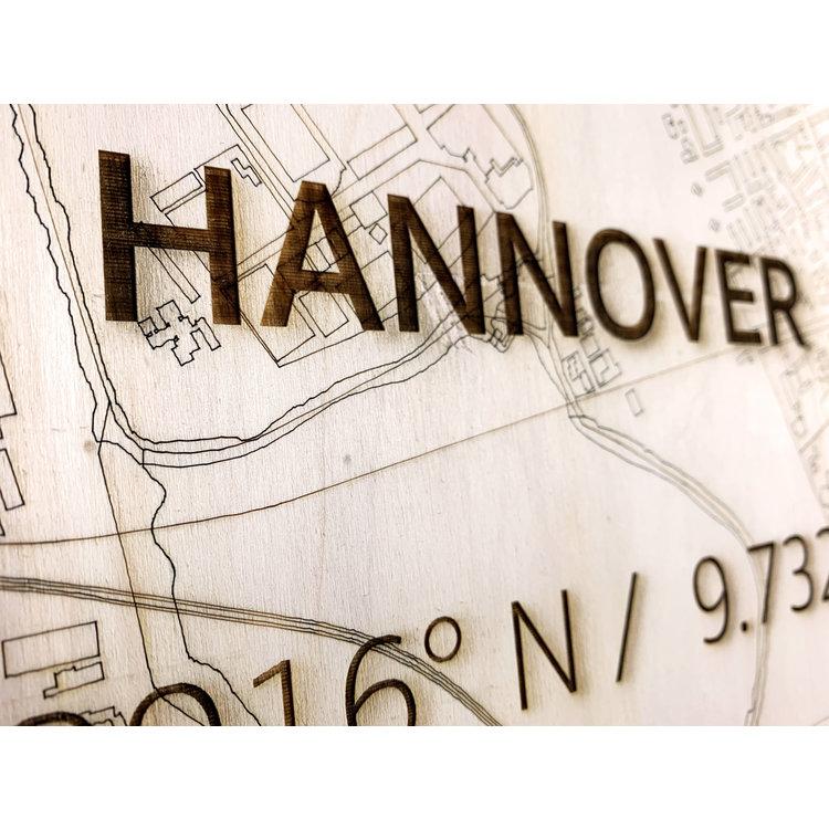 BRANDTHOUT. BRANDTHOUT. Wandbild Stadtplan Hannover | Wanddekoration Holz