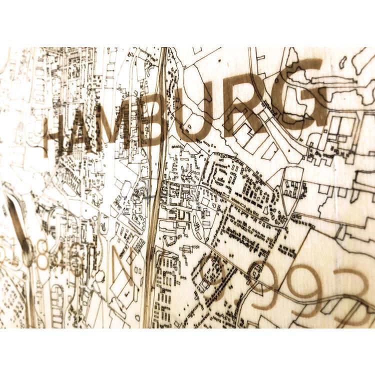 BRANDTHOUT. BRANDTHOUT. Wandbild Stadtplan Hamburg | Wanddekoration Holz
