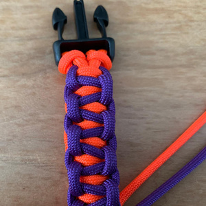 paracord-back-to-back-bar-zelf-maken-knopen
