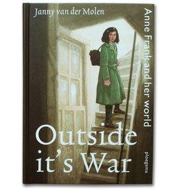 Buiten is het oorlog (2 talen)