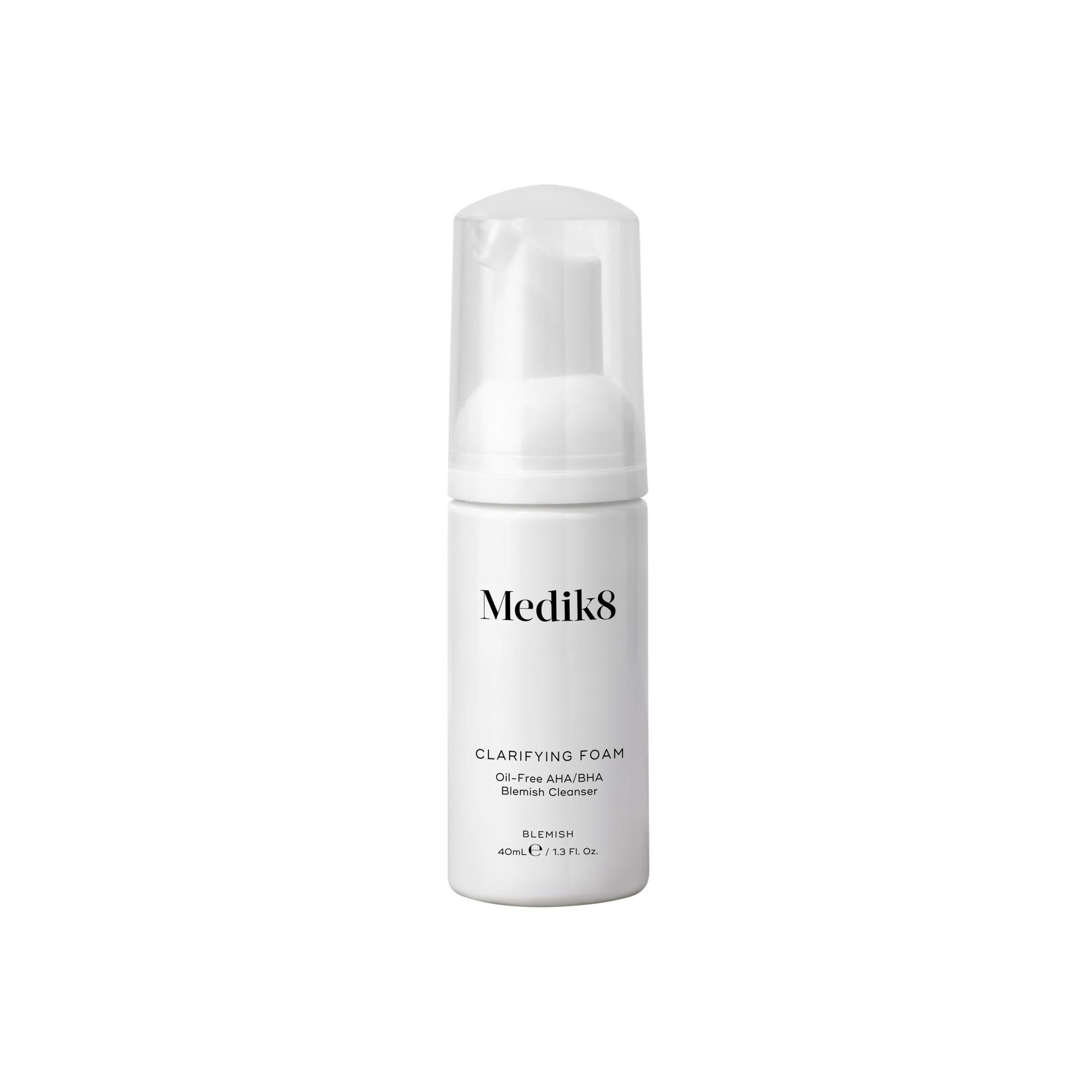 Medik8 Medik8 Gezichtsreiniger - Clarifying foam  40ml voor de vette en acne huid