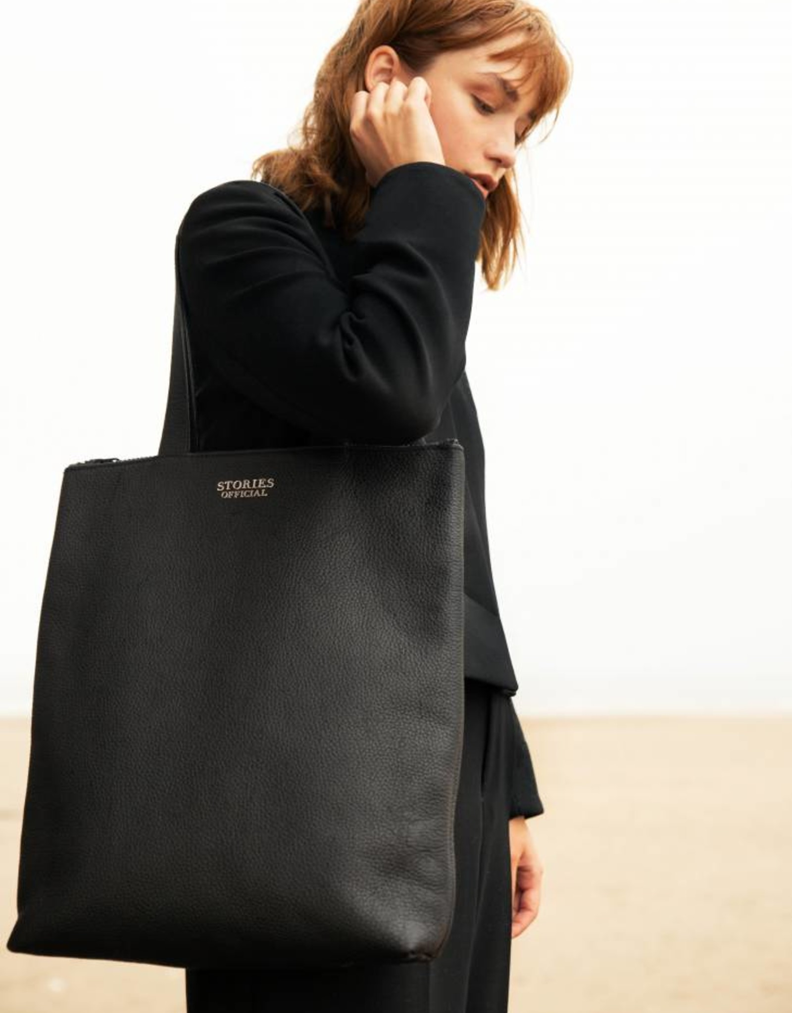 LEATHER ZIPPED SHOPPER BLACK