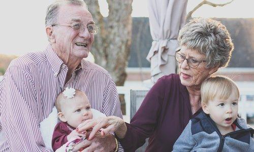 Waarom de opa en oma belangrijk zijn tijdens een scheiding