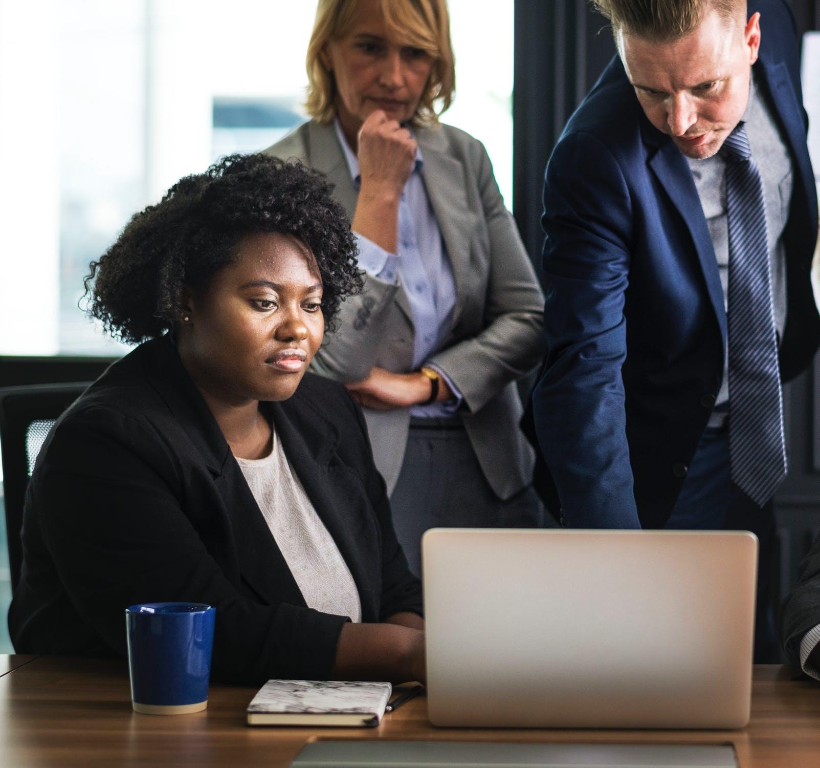 Wat doet een vertrouwenspersoon bij jou op werk?