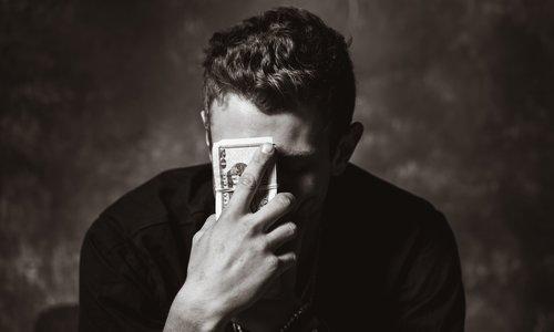 Vraag het de mediator: 'Ik heb geld gepikt van mijn baas en dat was stom'