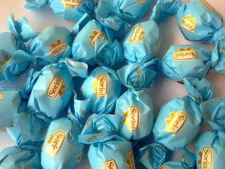 Overige Chocoladeballen Krokant Blauw 20 Stuks