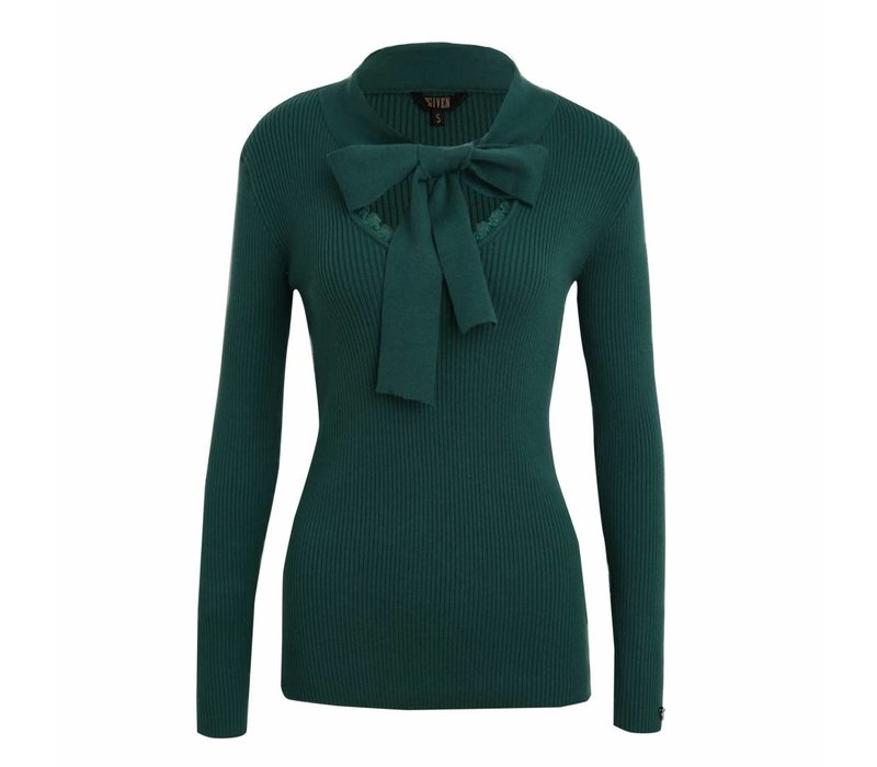 Given top Sanne Emerald