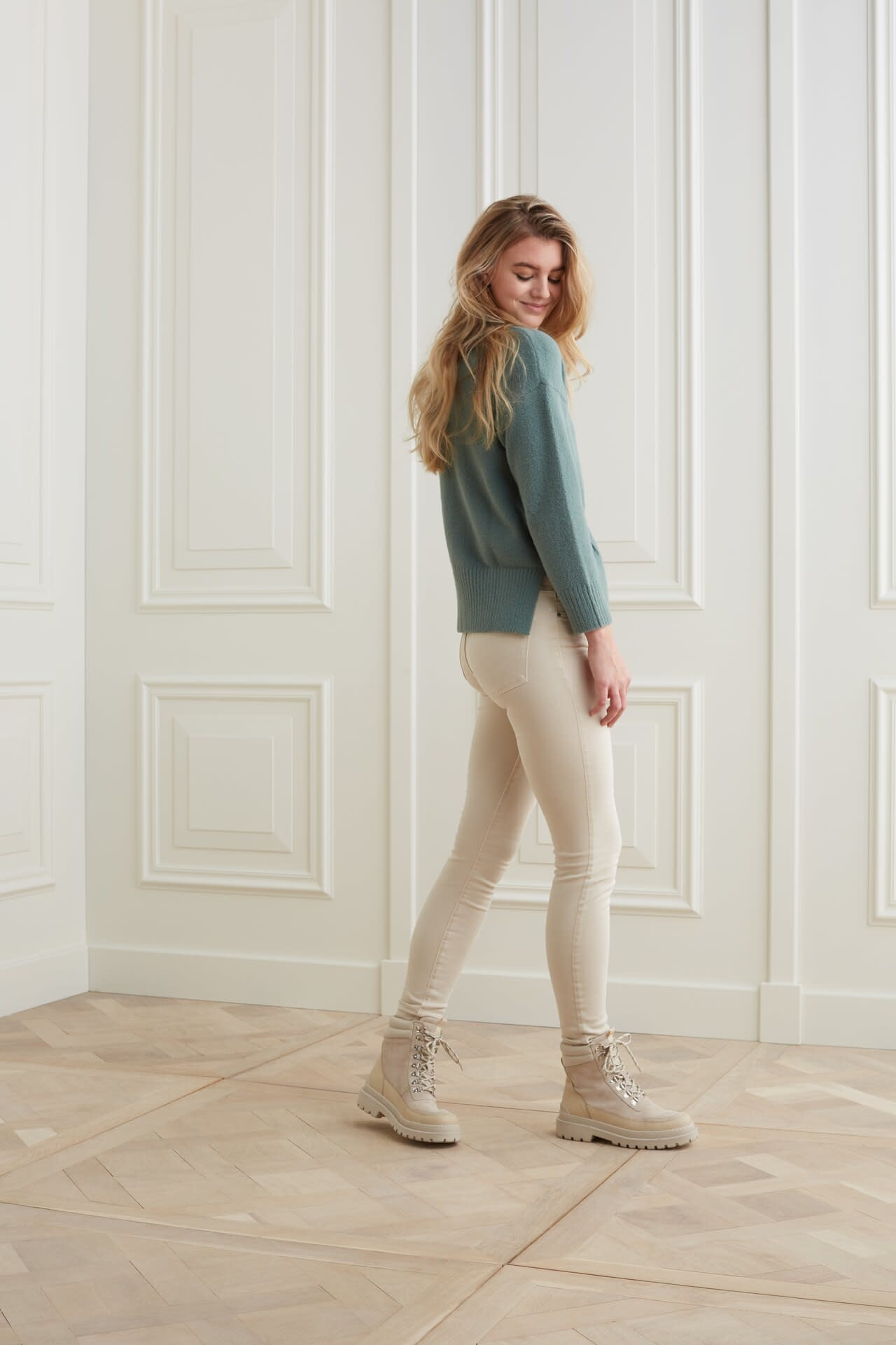 YAYA Women Sweater with vertical seam at front body