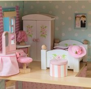 Le toy van Doll's house master bedroom