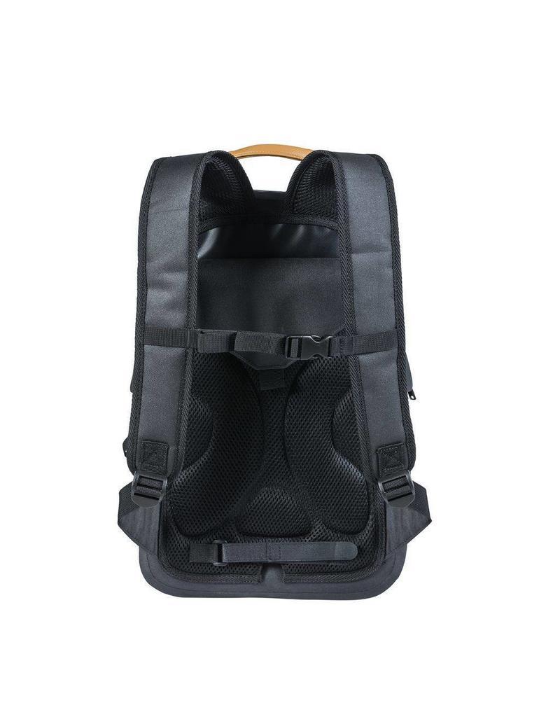 Basil Urban Dry backpack antraciet 18L