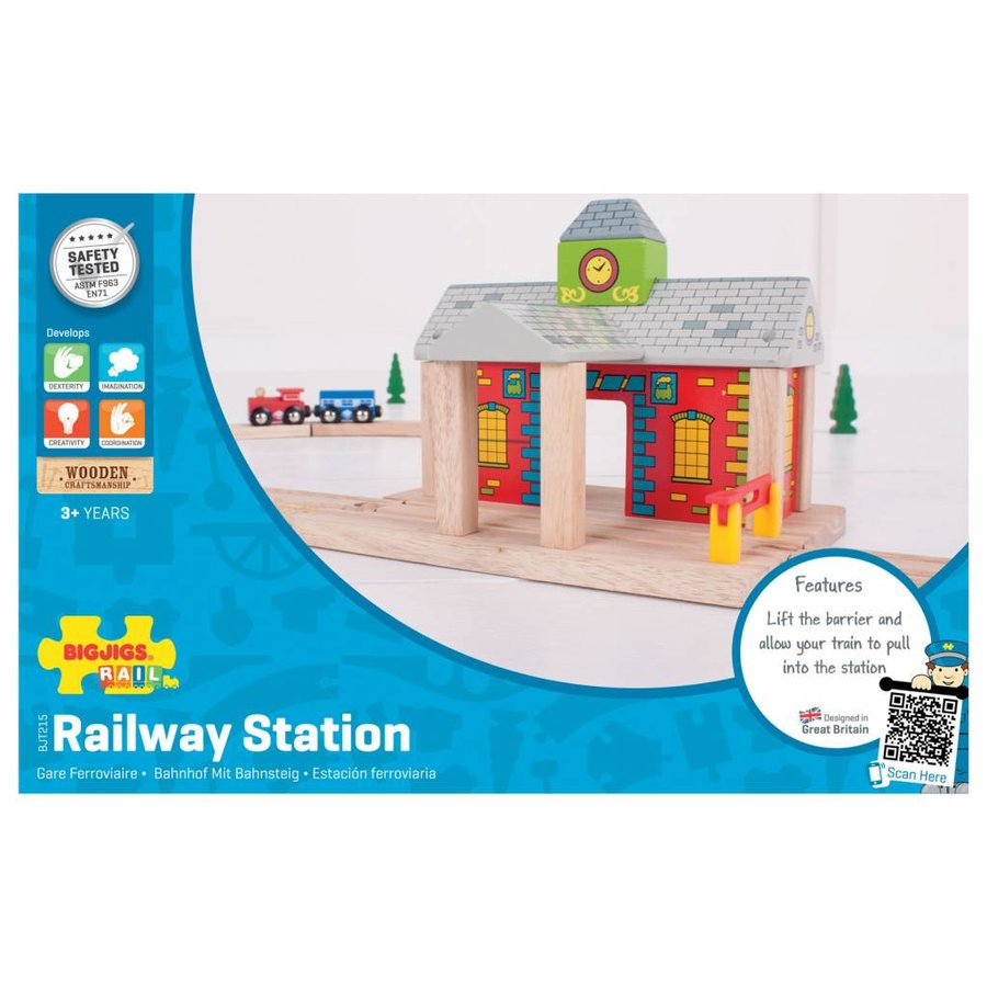 Houten Rails - Spoorwegstation-2