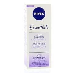 Nivea Essentials dagcreme sensitive SPF15 (50 ml)