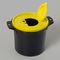 Uson Plast Naaldenbeker zwart/geel (1 stuks)