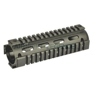 Leapers Leapers AR-15 Carbine Length Quad Rail System
