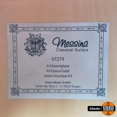 Messina classical guitar 4/4