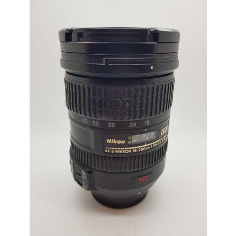Nikon Nikkor 18-200mm 1 3.5-5.6 g lens