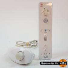 Nintendo wii mote + nunchuck