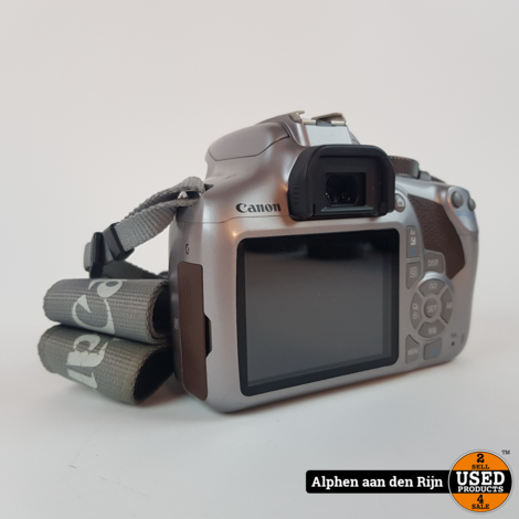 Canon EOS 1300D camera + lader