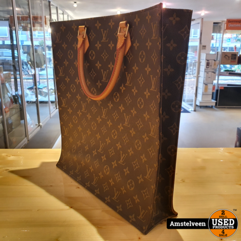Louis Vuitton Mono Sac Plat 2011 PRE-OWNED | Nette Staat