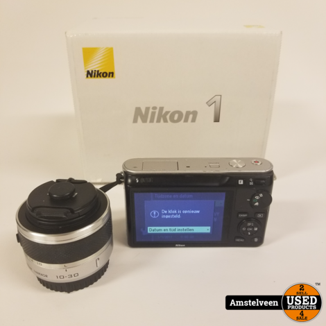 Nikon 1 J1 - Wit + Lens Nikon 10-30mm f / 3.5-5.6   Nette Staat